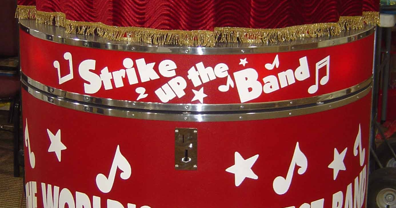 Band Box and Coin Type Stand